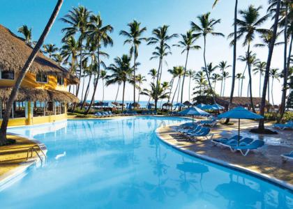Бассейн_отеля_Barcelo_Dominican_Beach,_Пунта-Кана